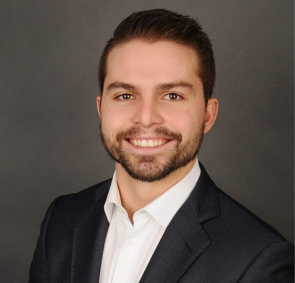 Photo of Alex Doma, CPA, CA, LPA, Manager